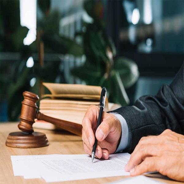 شکایت کیفری و دادخواست حقوقی